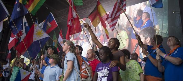 Binômes venus du monde entier aux 50 ans de L'Arche à Paris, 27 septembre 2014